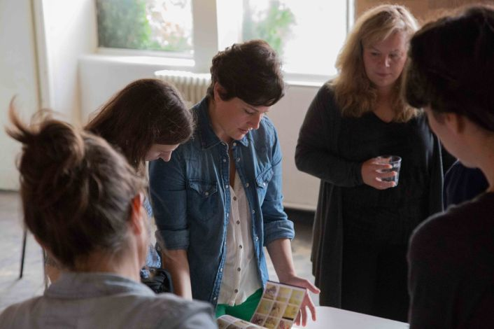 The second workshop was a 'blind' portflio review and 'cold' critique with artist-educator Katrine Hjelde and curator and art journalist Ellen Mara De Watcher.